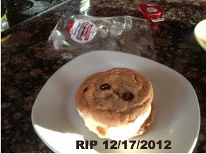 Carl's Jr. chocolate chip cookie sandwich rest in peace